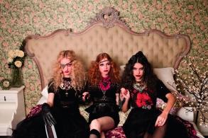 Produção de moda para o editorial da Revista Capricho:Jovens Bruxas